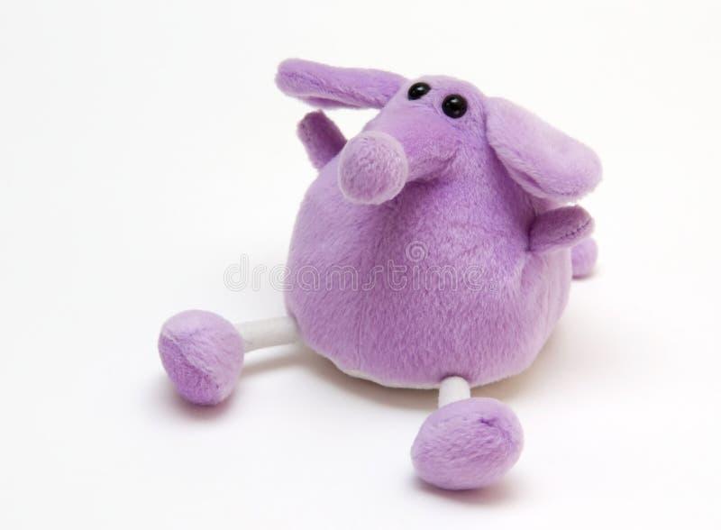 Purpurroter Spielzeug-Elefant lizenzfreie stockfotografie