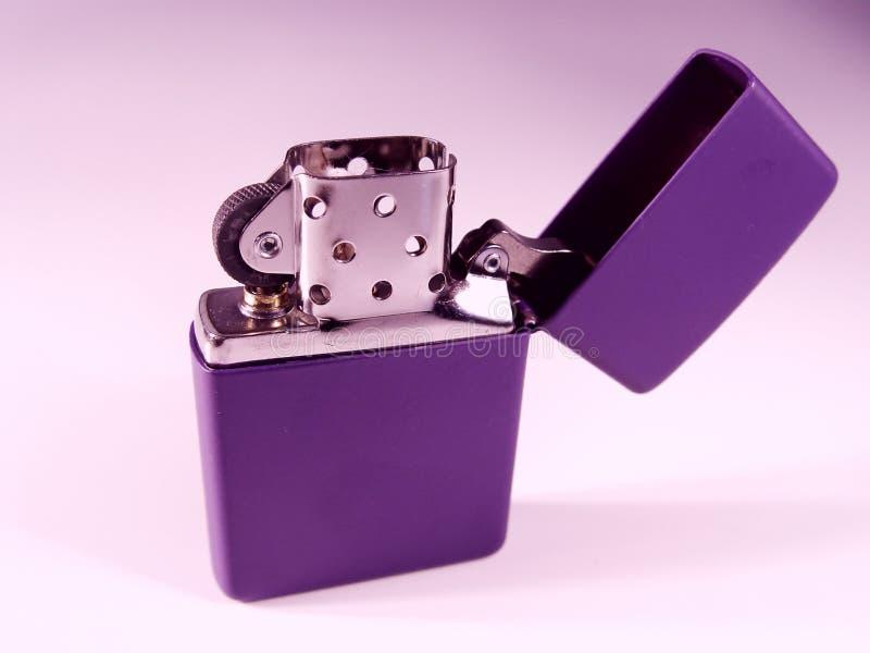 Purpurrotes Feuerzeug lizenzfreies stockfoto
