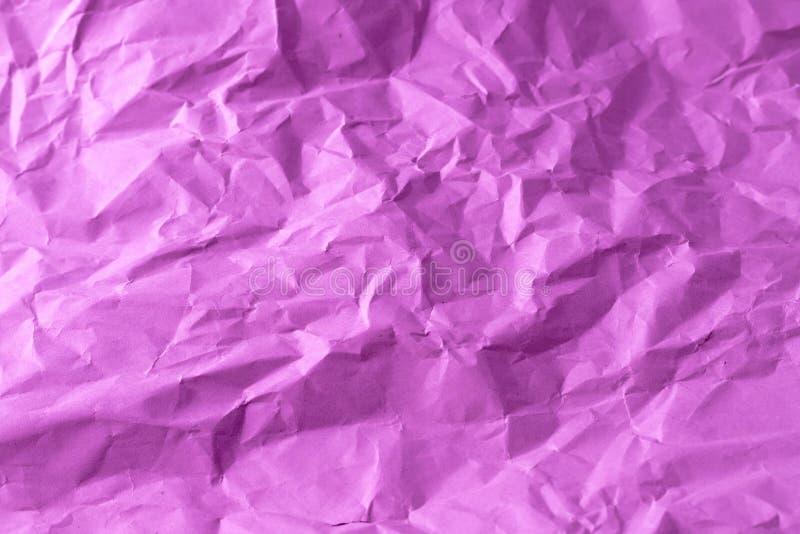 Purpurrotes zerknittertes Papier stockfotografie