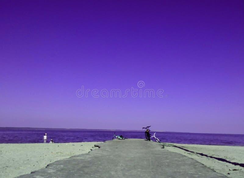 purpurt hav arkivbild