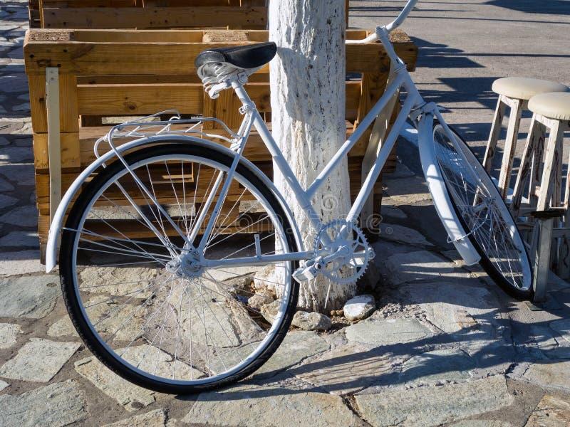 Pushbike dipinto bianco immagini stock