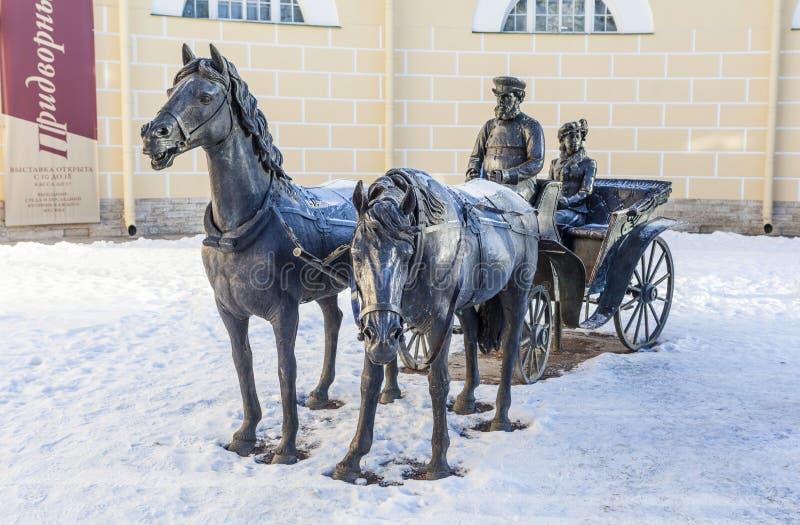 PUSHKIN RYSSLAND - JANUARI 21, 2015: Foto av skulpturokända royaltyfri fotografi