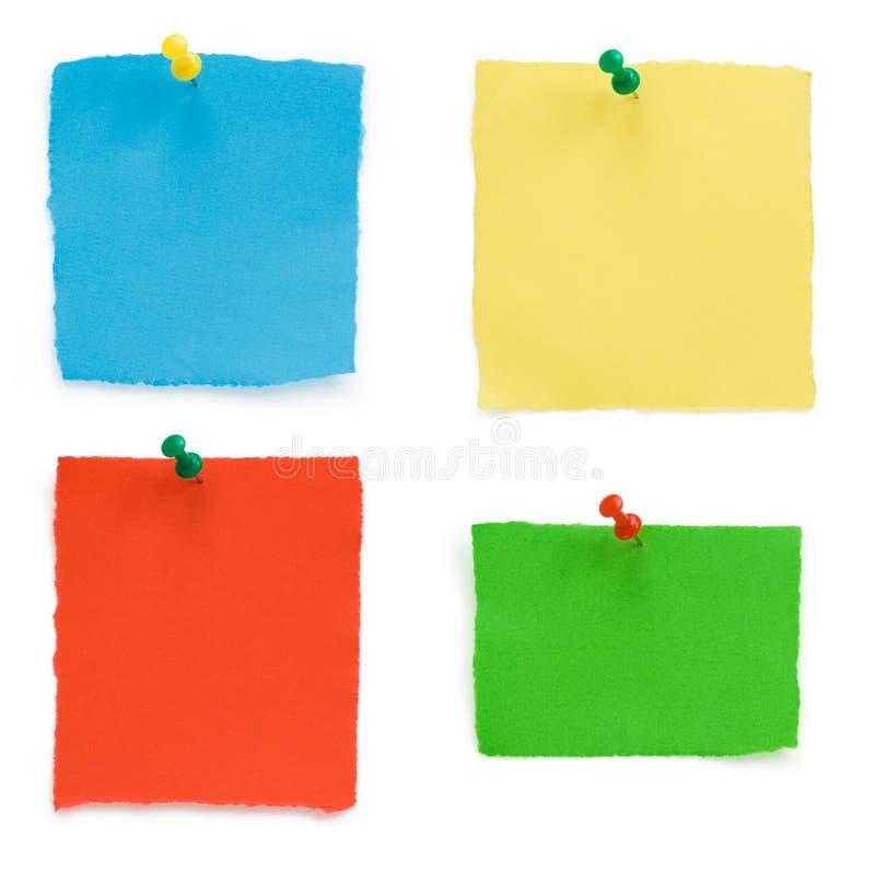 Pushpin και ragged έγγραφο σημειώσεων στοκ εικόνες