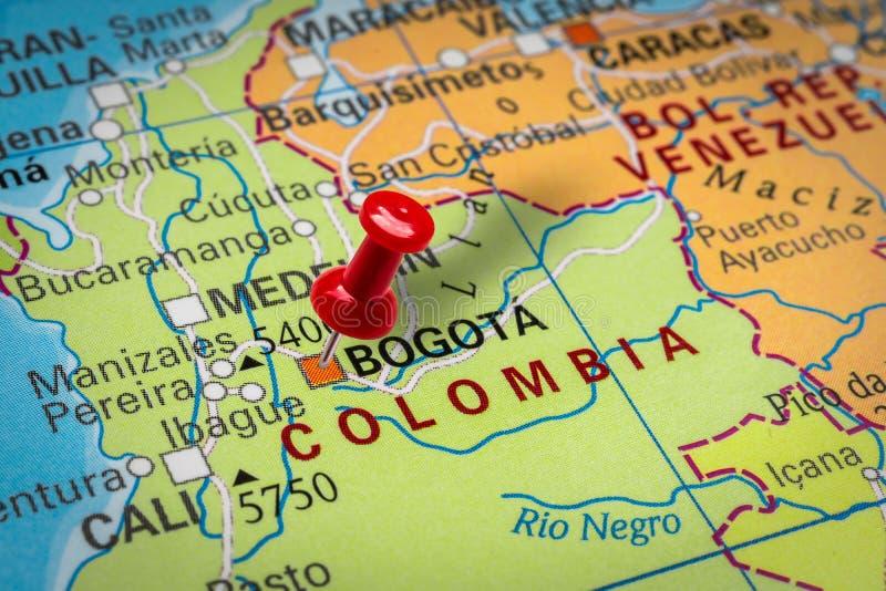 Pushpin pekar på staden Bogota i Colombia arkivbild