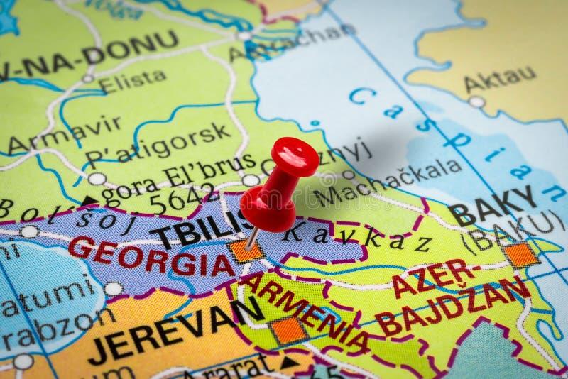 Pushpin pekar på staden Tbilisi i Georgien arkivfoto