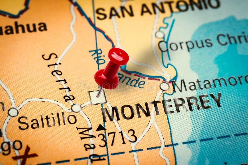 Pushpin weist auf die Stadt Monterrey in Mexiko hin stockfotos