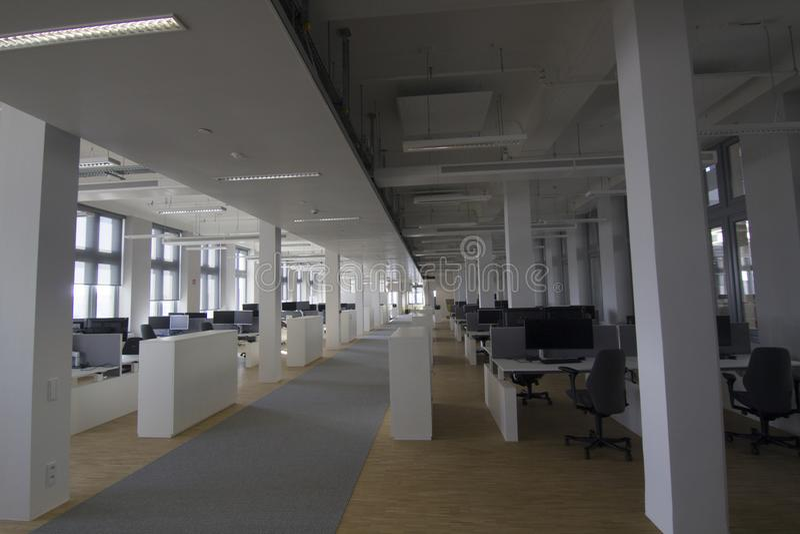 Pusta biurowa podłoga w nowym Antwerp schronieniu obraz stock