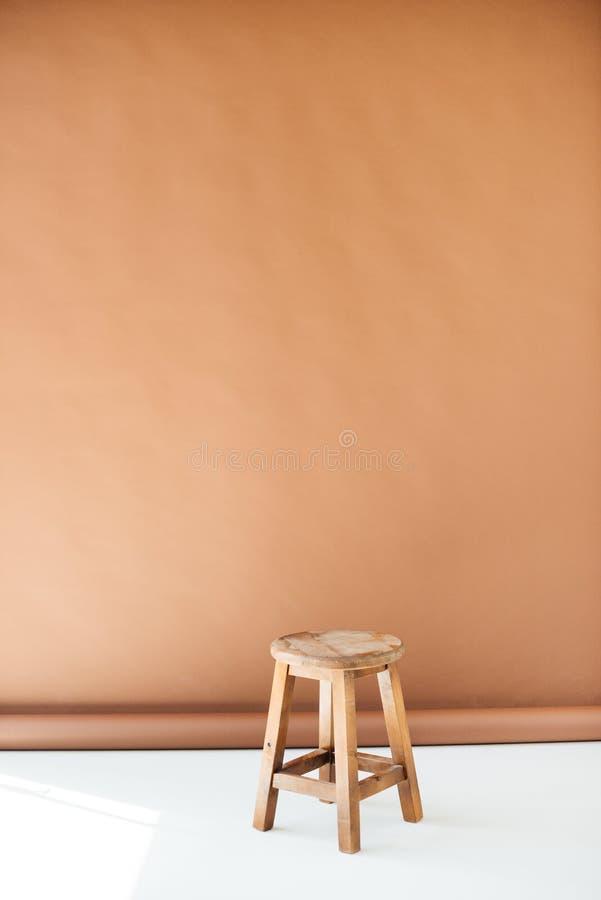 Pusta drewniana stolec zdjęcia royalty free