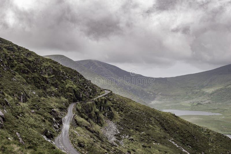 Pusta droga przy Conor przepustką, Irlandia obraz stock