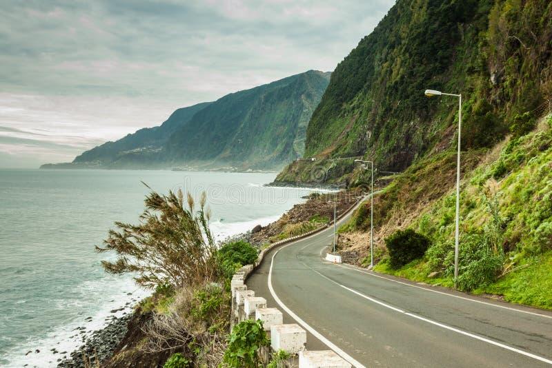 Pusta droga w madery wyspie, Portuga zdjęcia stock