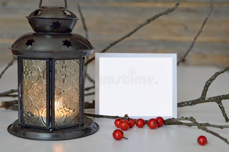 Pusta kartka bożonarodzeniowa i lampion obrazy stock