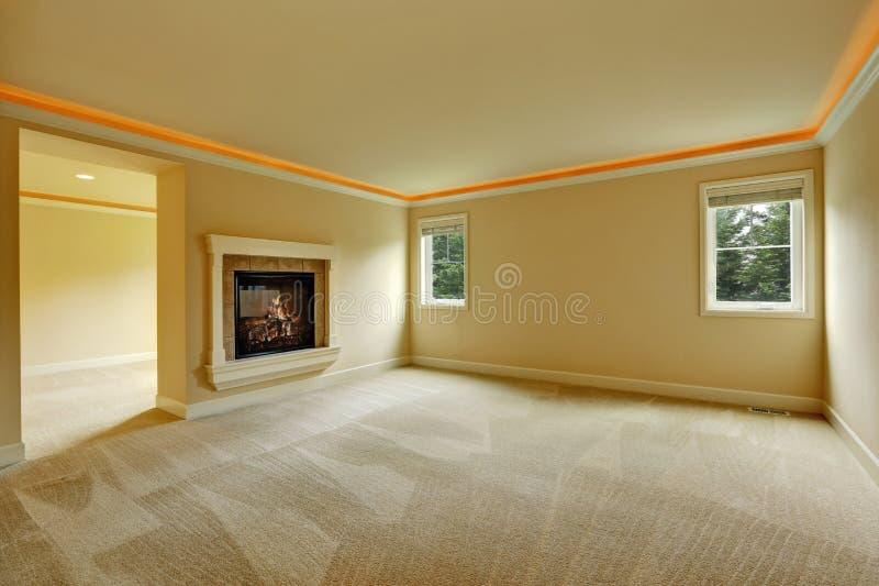 Pusta Mistrzowska sypialnia z dwuboczną grabą obraz stock