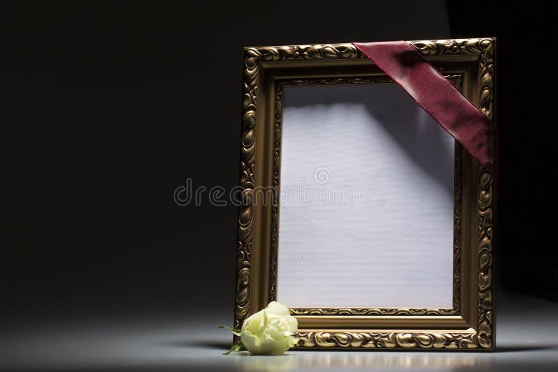 Pusta opłakuje rama dla kondolencje karty zdjęcie royalty free
