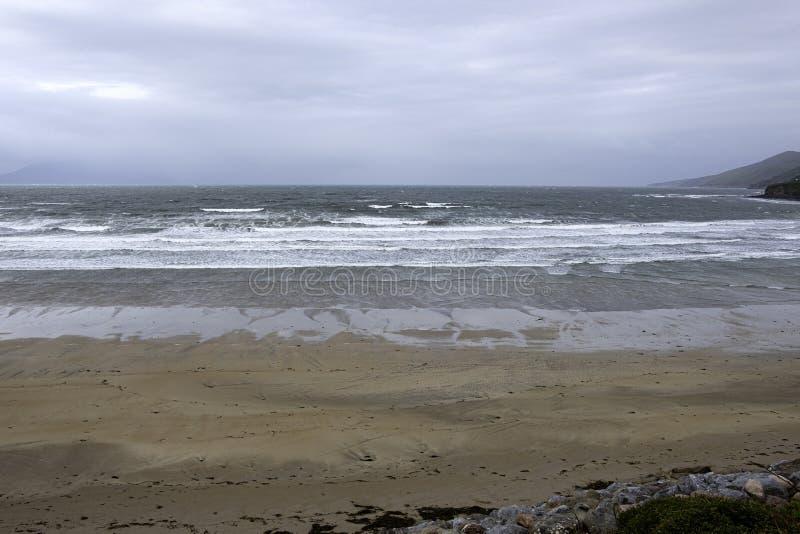 Pusta plaża na zachodnim wybrzeżu Irlandii fotografia royalty free