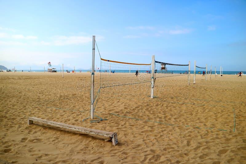 Pusta plażowa piłki nożnej sieć na piaskowatej plaży Copacabana, Rio De Janeiro, Brazylia, Ameryka Południowa obraz stock