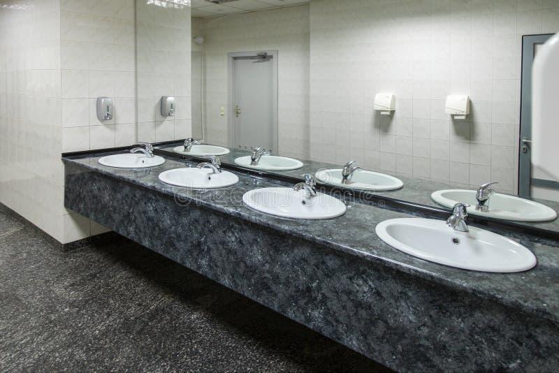 Pusta społeczeństwo toaleta obrazy stock