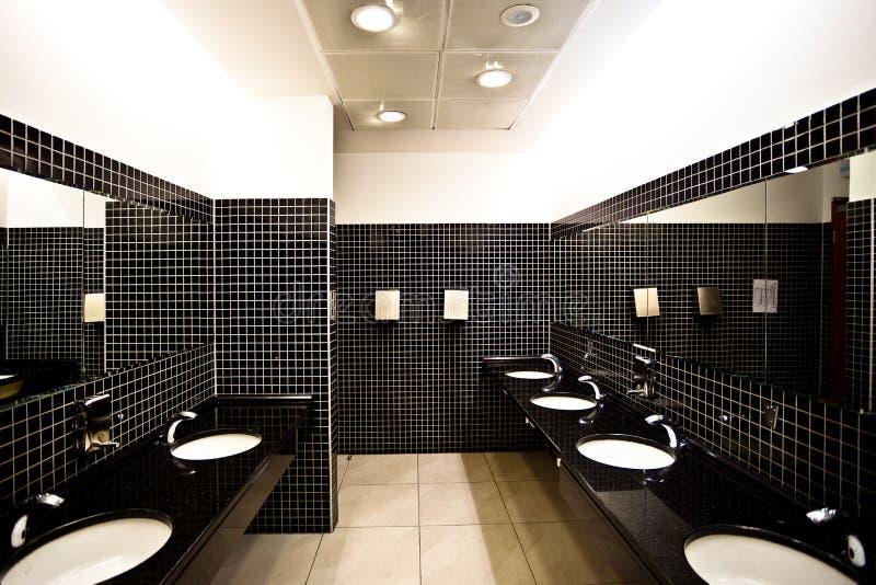pusta wewnętrzna toaleta zdjęcia royalty free