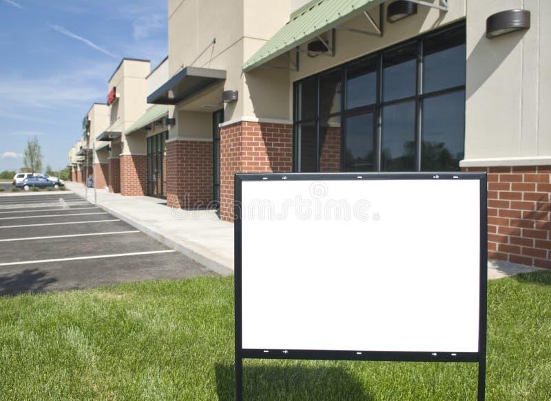 Puste miejsce znak Przed Nowym Detalicznym paska centrum fotografia stock