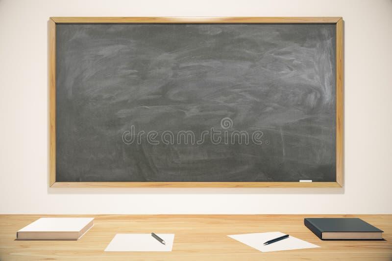 Pustego miejsca szkolny blackboard z książkami, ćwiczenie książkami i piórami, fotografia stock