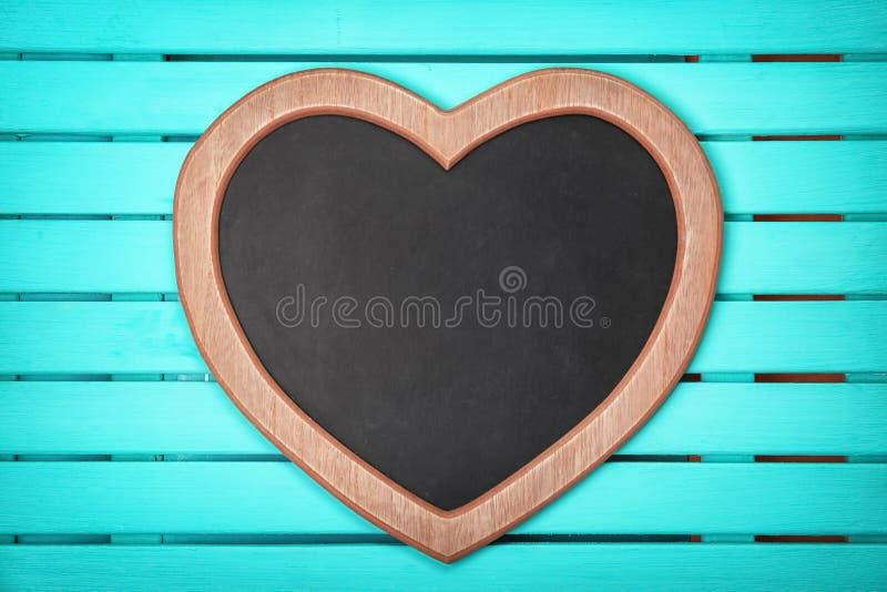 Pustego serca kształtny chalkboard zdjęcia royalty free