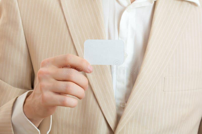 Download Pustej Karty Mienia Mężczyzna Obraz Stock - Obraz złożonej z samiec, wiadomość: 13329089
