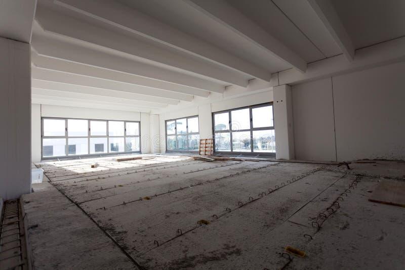 pustej sala przemysłowy wnętrze obraz stock