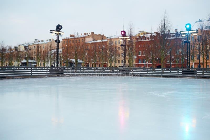 Pusty łyżwiarski lodowisko fotografia royalty free