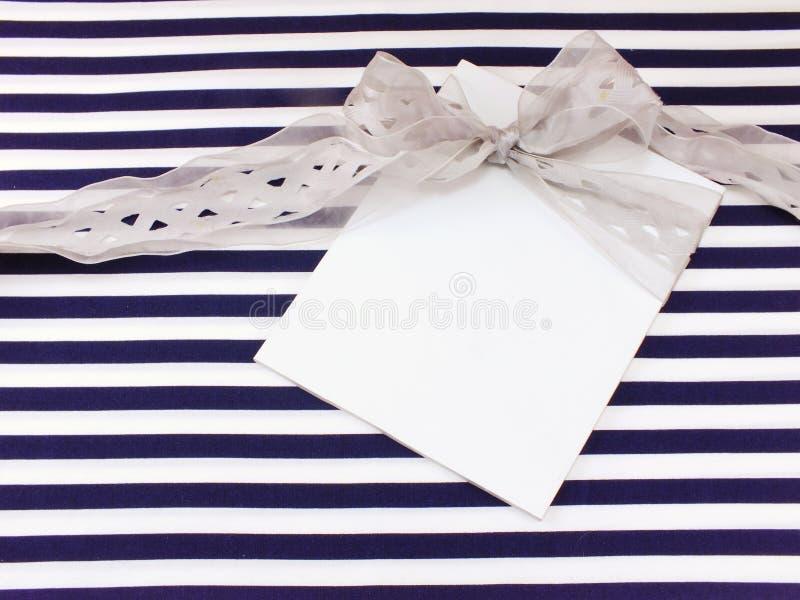 Pusty biały kartka z pozdrowieniami zdjęcia stock