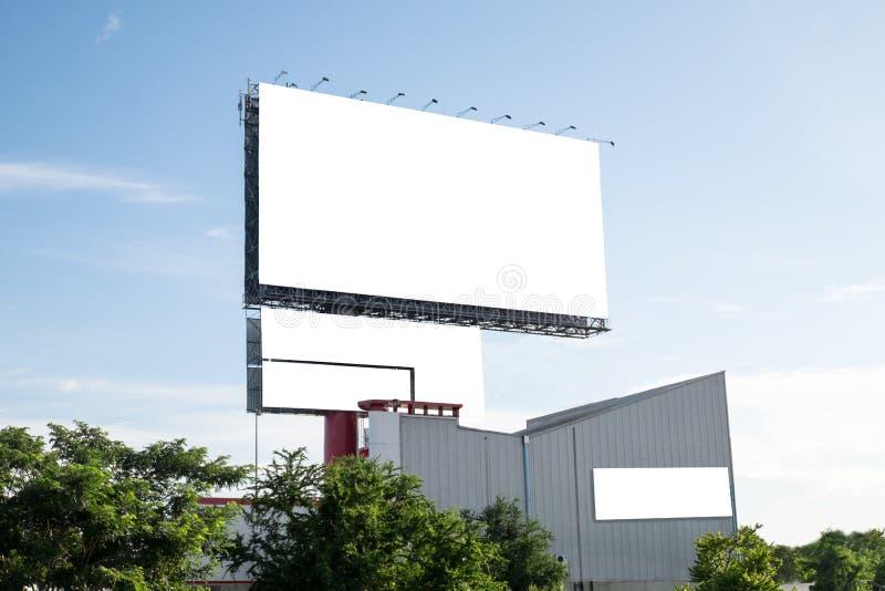 Pusty billboard - reklamować plenerową jawną reklamę fotografia royalty free