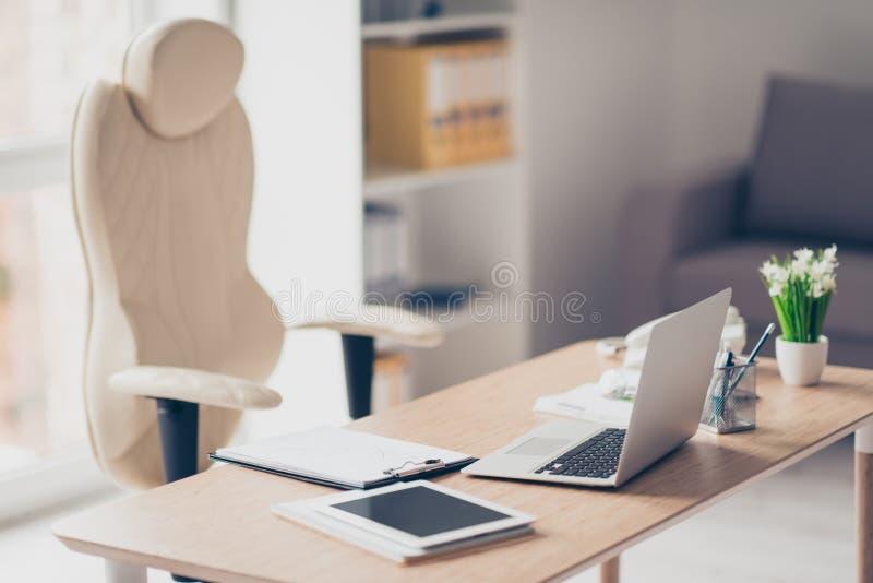 Pusty biuro z nowożytnym luksusowym modnym wnętrzem, wygoda obrazy royalty free