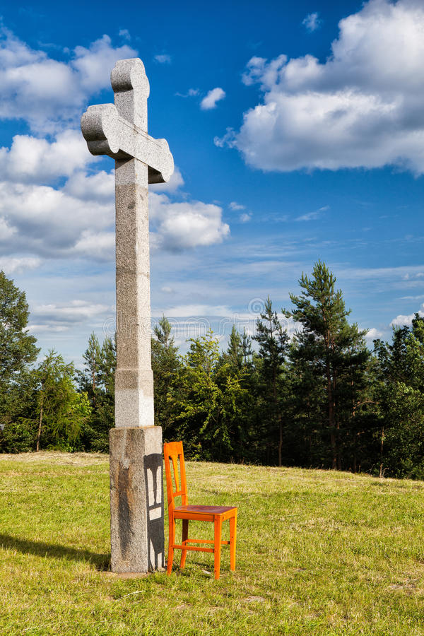 Pusty drewniany krzesło i obraz stock