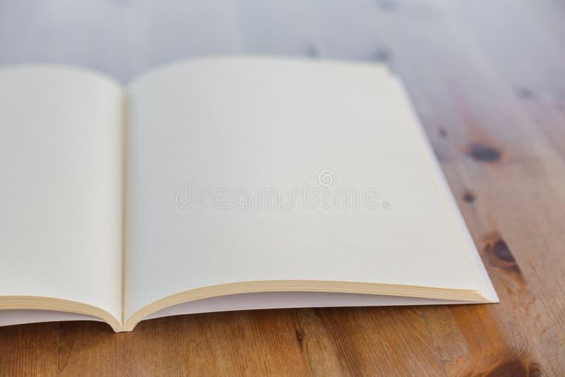 Pusty katalog, magazyny, książka egzamin próbny up obraz stock