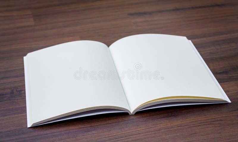Pusty katalog, magazyny, książka egzamin próbny up obrazy stock