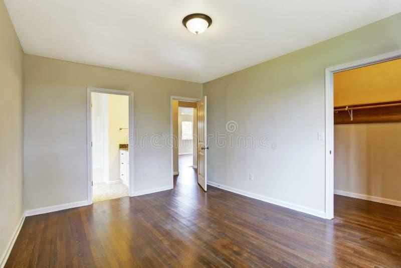 Pusty mistrzowskiej sypialni wnętrze zdjęcie stock