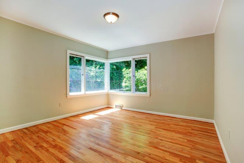 Pusty mistrzowskiej sypialni wnętrze obraz stock