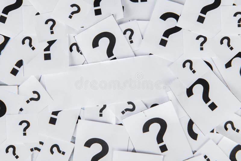 Pusty papier z znakami zapytania obraz royalty free