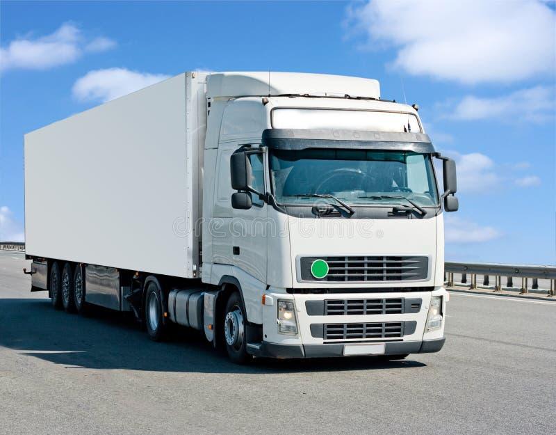 pusty pojemnik ciężarówka. zdjęcia stock