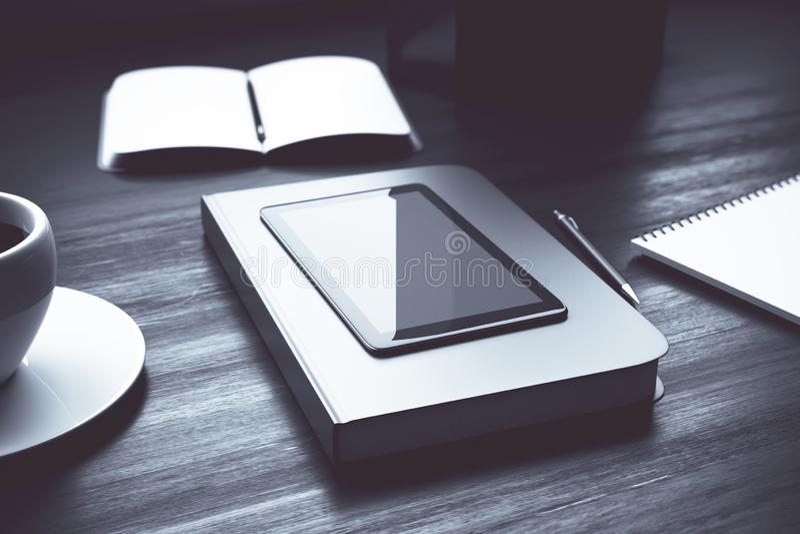 Pusty smartphone na biurowym biurku ilustracja wektor