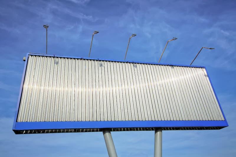 Pusty stacjonarny metalu billboard plenerowy, reklamy pojęcie obrazy royalty free
