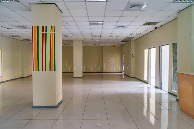 Pusty Stary budynek biurowy - Punda Curacao widoki obraz stock