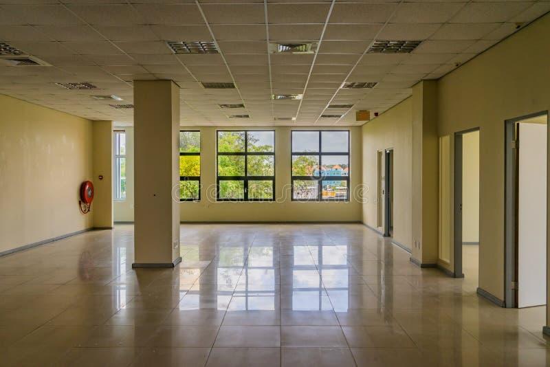Pusty Stary budynek biurowy - Punda Curacao widoki obrazy stock
