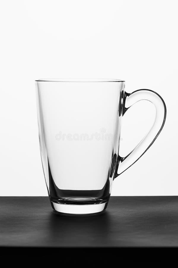 Pusty szkło dla wody, soku, cappuccino lub mleka na białym tle, obraz stock