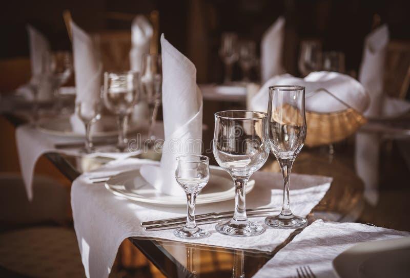 pusty szkieł restauraci set obrazy royalty free