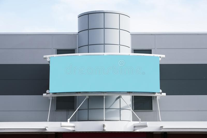 Pusty sztandar dla reklamy przy detalicznym zakupy centrum handlowego sklepu przodem obraz stock