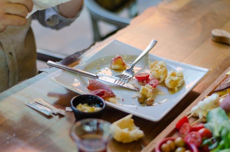 Pusty talerz, brudny talerz po śniadania kończy obrazy royalty free