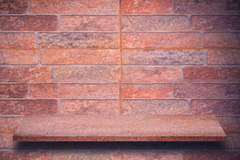 Pusty wierzchołek naturalne kamień półki i kamiennej ściany tło fotografia royalty free