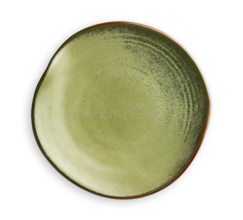 Pusty zieleń talerz z falistą krawędzią, Frilled talerz w falistym wzorze, widok odizolowywający na białym tle z ścinek ścieżką o zdjęcia royalty free