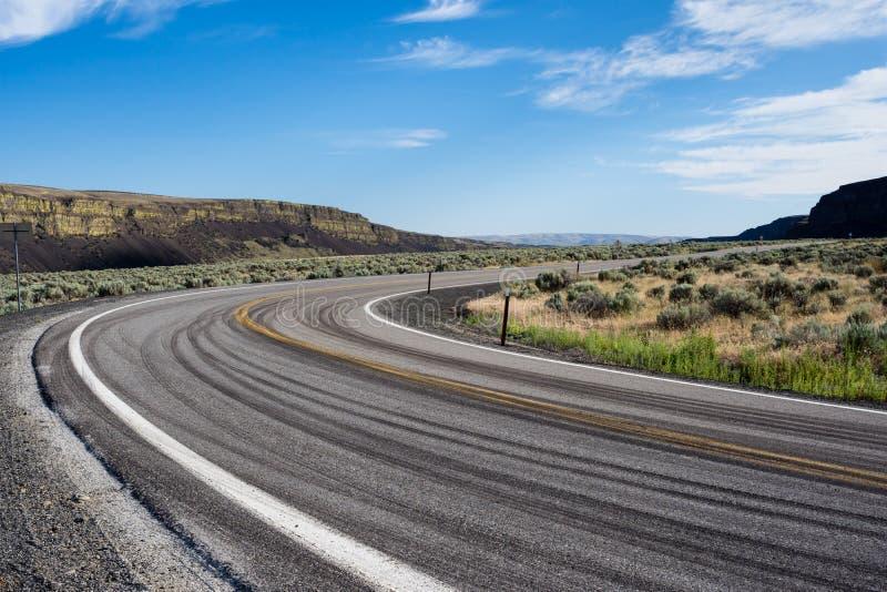 Pustynna droga w wschodnim stan washington, usa obrazy stock