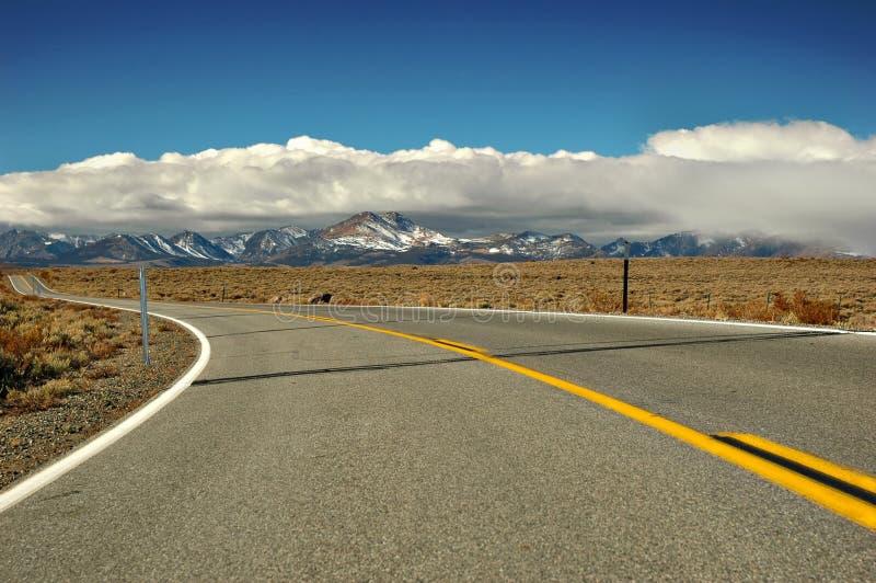 pustynna górska droga zdjęcie royalty free
