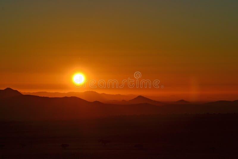 pustynny Dubai diun zmierzch fotografia royalty free